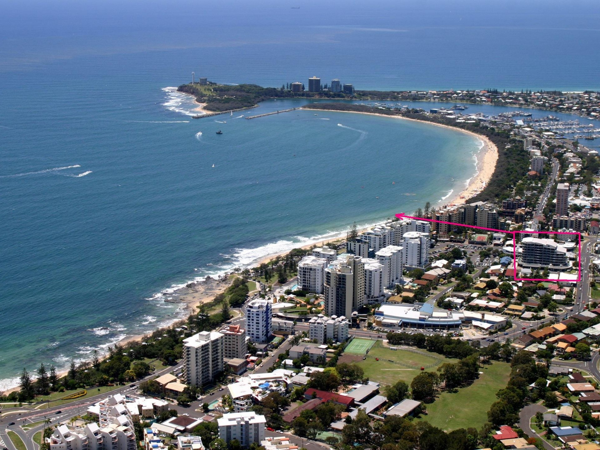 HOME SIZED APARTMENT IN THE HEART OF MOOLOOLABA