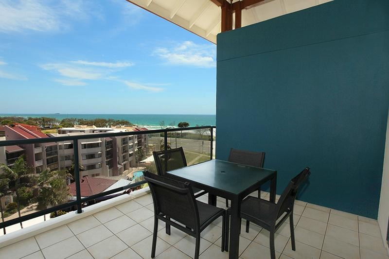 PRICE REDUCED!Fantastic ocean views from top level apartment!