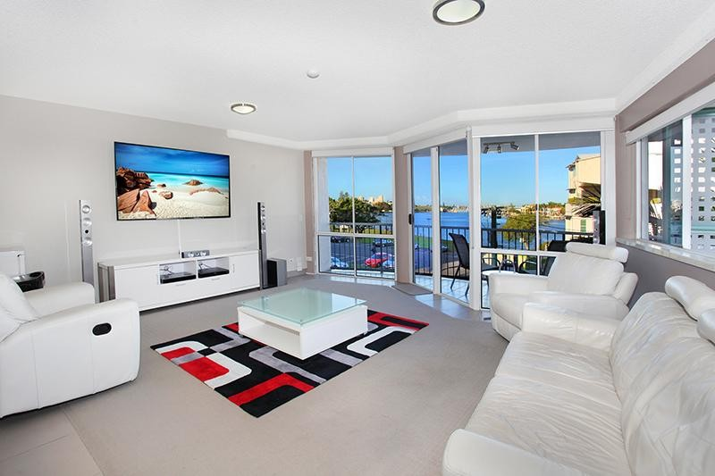 RENOVATED LIFESTYLE VIEWS MOOLOOLABA