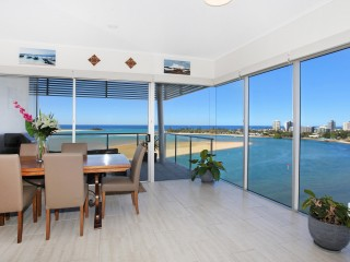 View profile: PENTHOUSE ABSOLUTE WATERFRONT WITH AMAZING RIVER/OCEAN VIEWS!