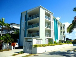 View profile: Exclusive & Chic, Contemporary & Stylish F/F One B/R Apartment in Mooloolaba