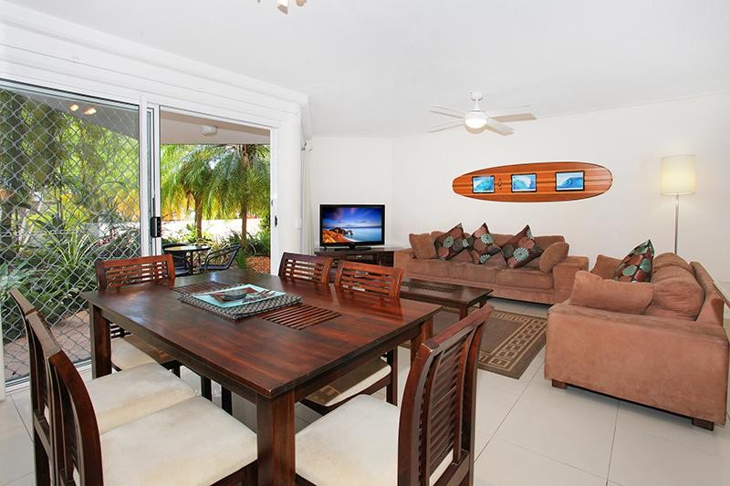 LIFESTYLE OPPORTUNITY: QUIET & CLOSE TO MOOLOOLABA BEACH