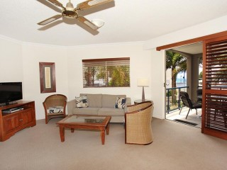 View profile: EXCELLENT LOCATION AND PRICED FOR THE MARKET