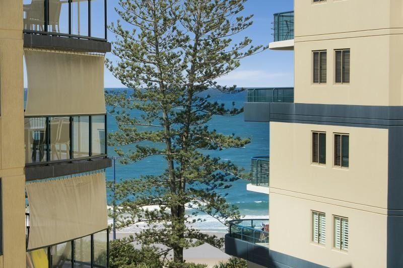 HIGH NORTH CORNER: LANDMARK MOOLOOLABA