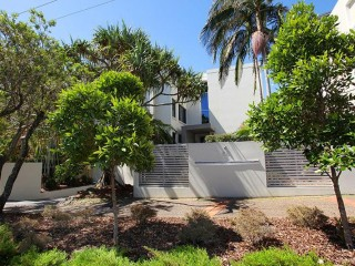 View profile: Absolute Beachfront Mooloolaba