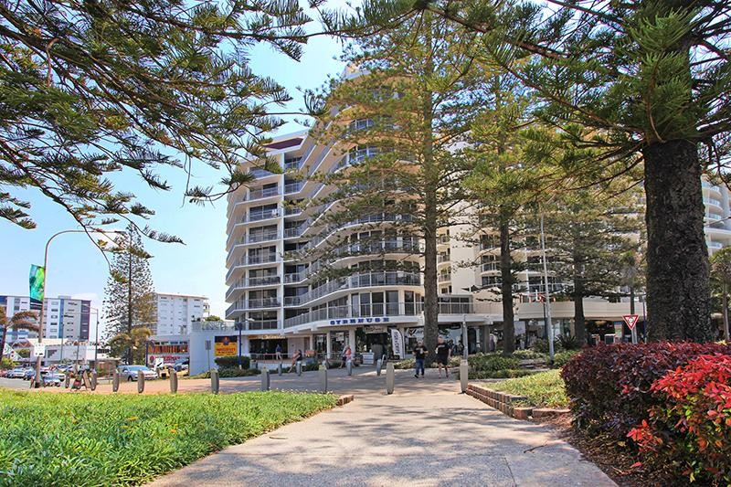 Mooloolaba - Stylish 3 Bedroom Fully Furnished Unit with Amazing Ocean Views