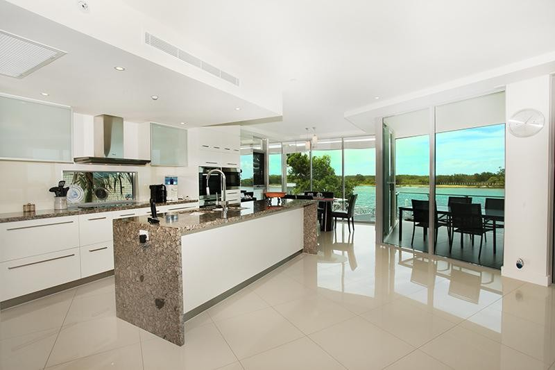 Absolute Riverfront luxury!!