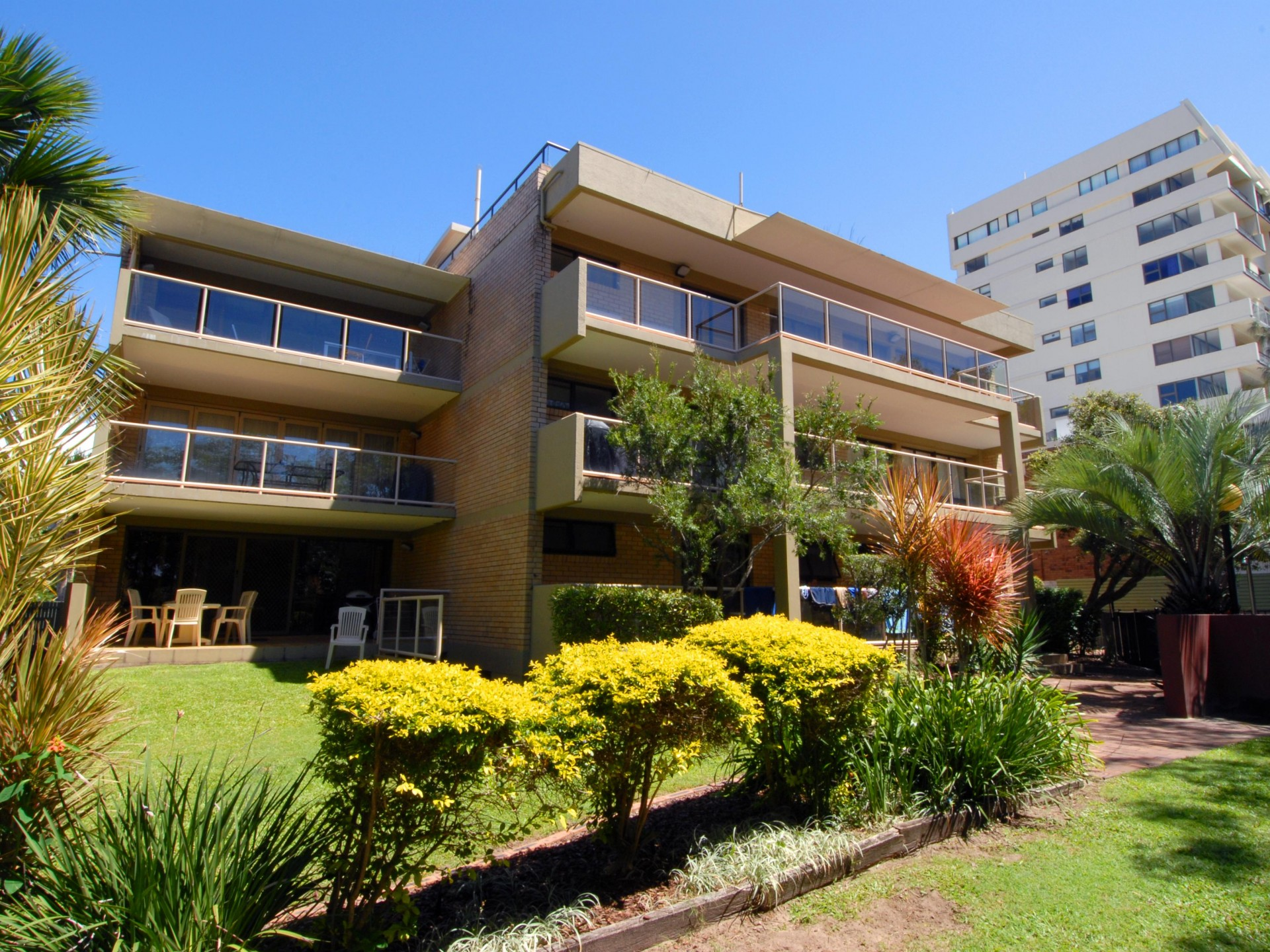 Spacious 3 Bedroom Apartment in Ideal Location