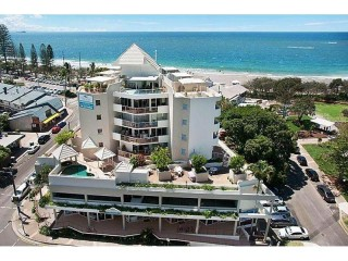 View profile: WOW FACTOR!!!! LITTLE GEM SO CLOSE TO THE BEACH