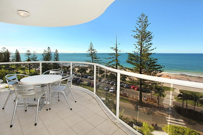 Stunning Beachfront Furnished Apartment!