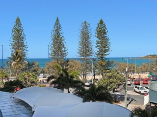 View profile: 3 BEDROOM 'FRONT ROW'    MOOLOOLABA