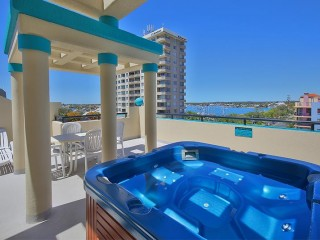 View profile: WOW FACTOR!!!PENTHOUSE GEM SO CLOSE TO THE BEACH